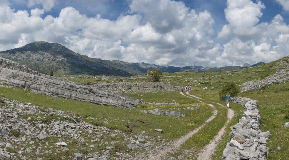 Panoramic & hiking tour around Korita Kucka and Grlo sokolovo